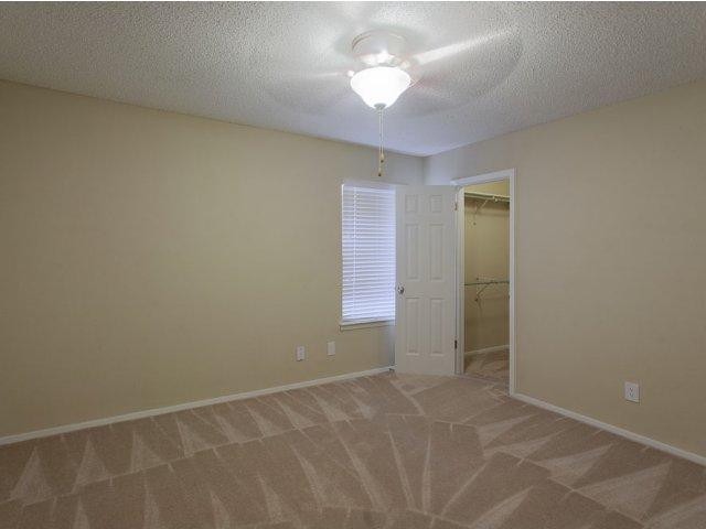 Summer Villas Apartments For Rent in North Dallas, TX | Bedroom