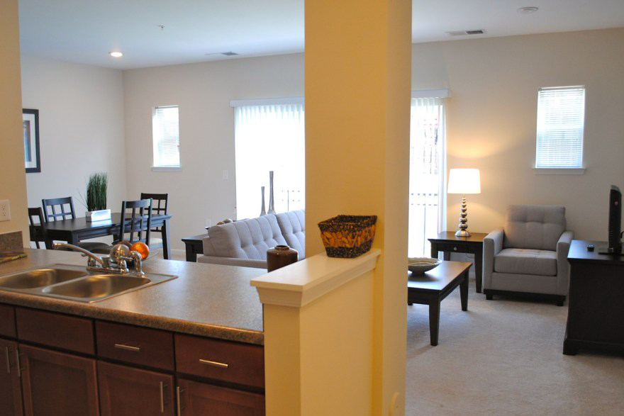 Orchard Meadows At North Ridge Apartments For Rent - Ellicott City -Kitchen and Livingroom