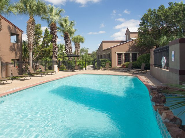Costa Del Sol | Apartments for Rent San Antonio, TX | Swimming Pool