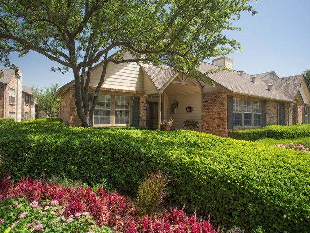 Cinnamon Park   Apartments For Rent in Arlington  TX   Apartment Entrance. Cinnamon Park   Apartments For Rent in Arlington  Texas