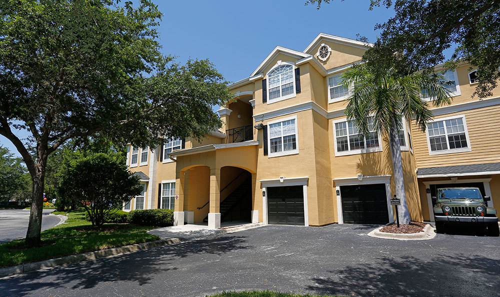 3 Bed 2 Bath Apartment In Clearwater Fl The Grand Reserve At Park Isle Milestone Management