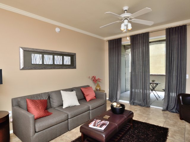 Sierra Foothills | Apartments For Rent in Phoenix, AZ | Living Room