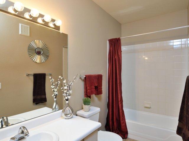 Sierra Foothills | Apartments For Rent in Phoenix, AZ | Bathroom