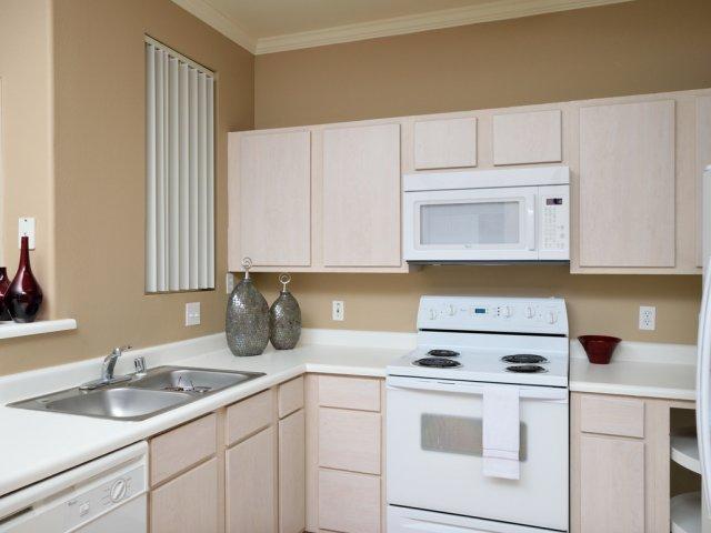 Sierra Foothills | Apartments For Rent in Phoenix, AZ | Kitchen Counter Top