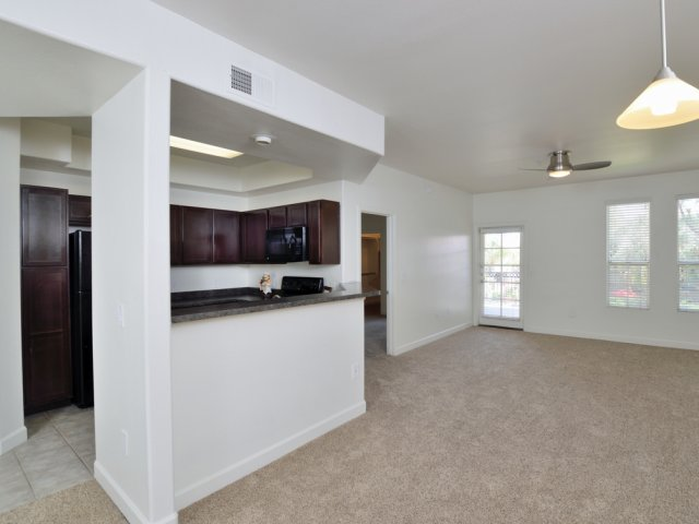 Lumiere Chandler Condos | Apartments For Rent in Chandler, AZ | Dining Room and Kitchen