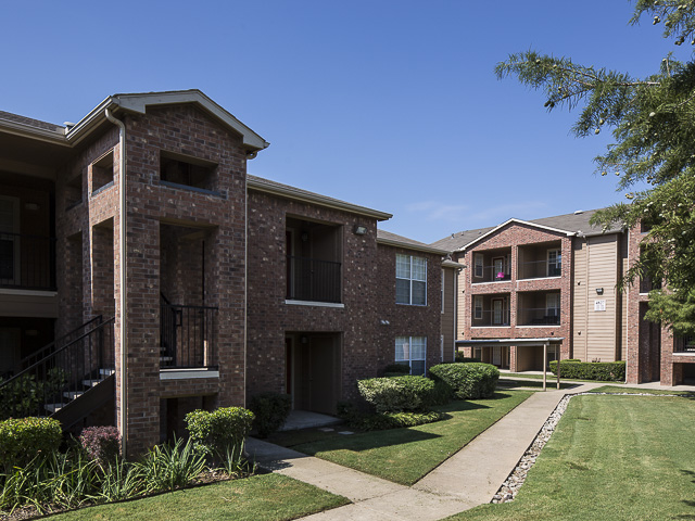 2 Bed 2 Bath Apartment In Mesquite Tx Landmark At Laurel Heights Apartment Homes Milestone