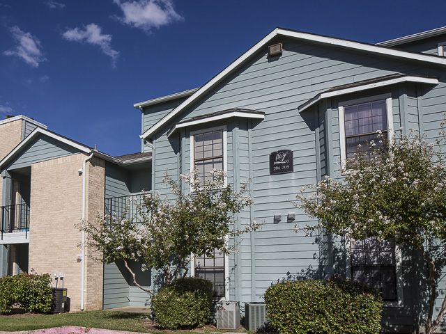3 Bed 2 Bath Apartment In Garland Tx Landmark At Lake Village North Apartment Homes