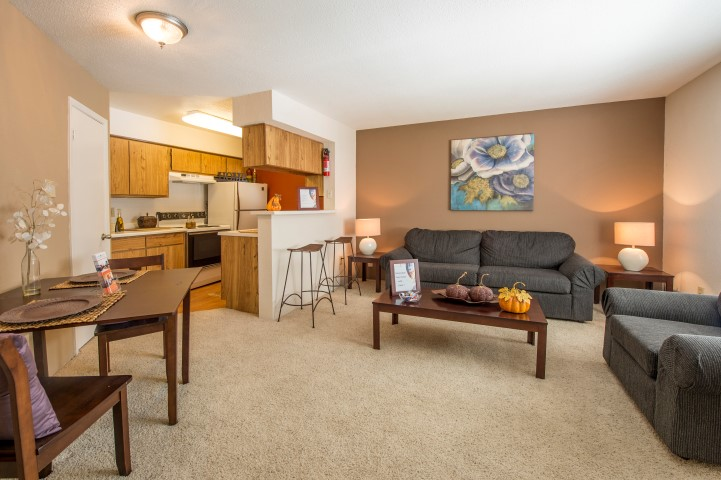 The Gardens Apartments For Rent in Houston, TX | Living room