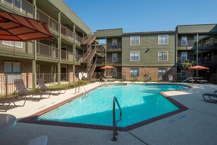 The Gardens Apartments for Rent in Houston, TX | Relaxing Swimming Pool