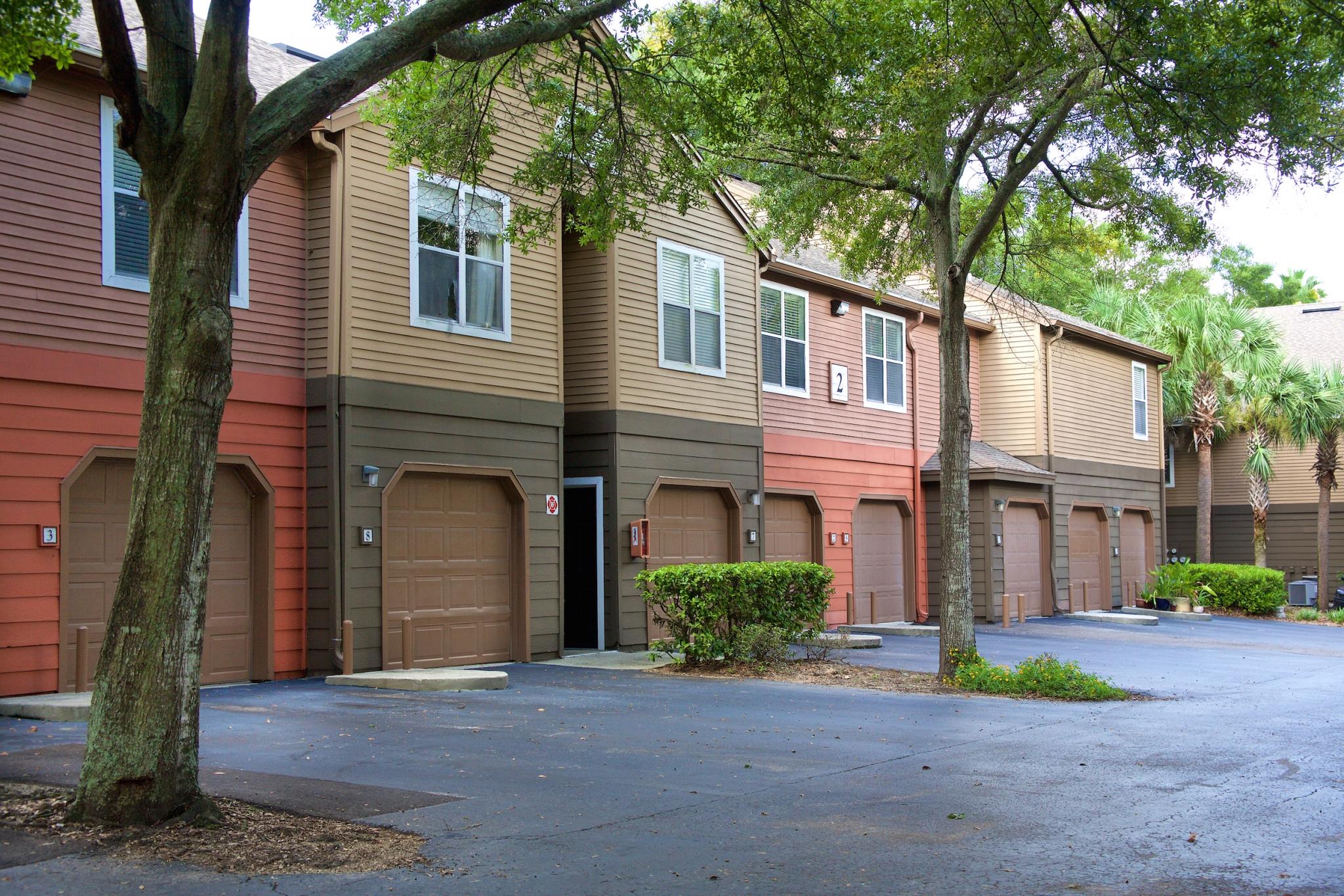 bay club apartment community in jacksonville fl
