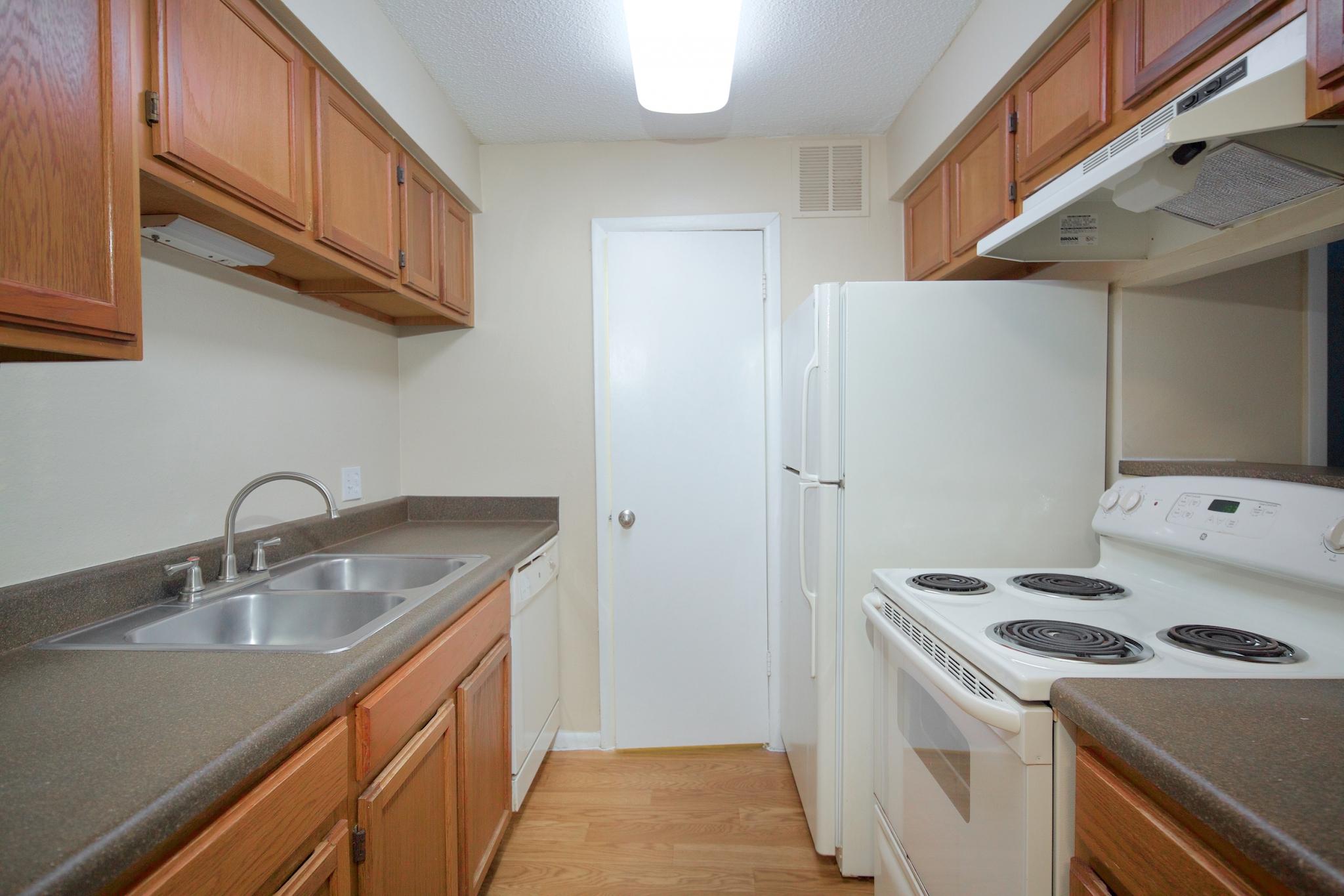 Bentley Green | Jacksonville, Florida Apartment Rentals | Bathroom