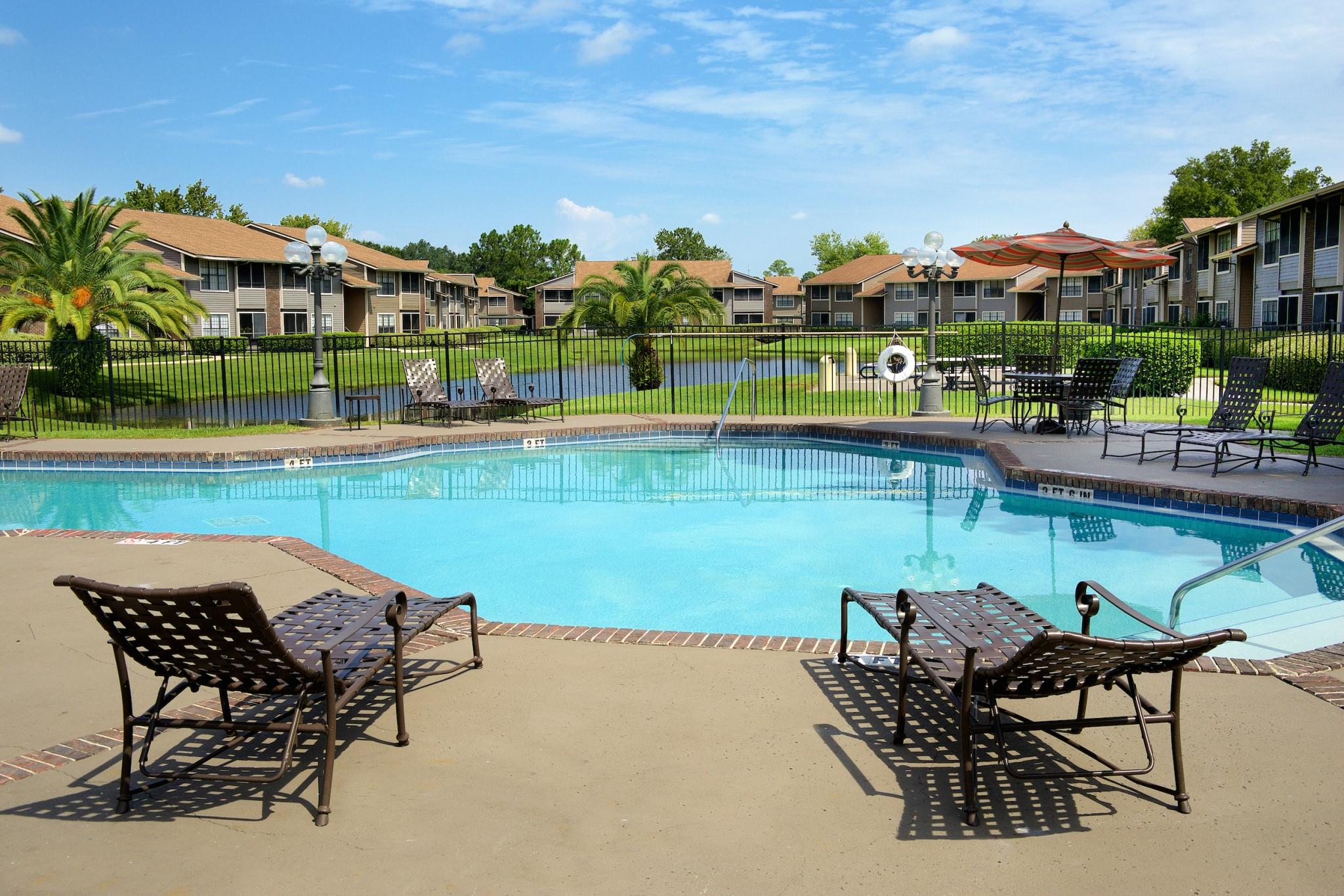 Bentley Green | Apartment Rentals Jacksonville, FL | Swimming Pool