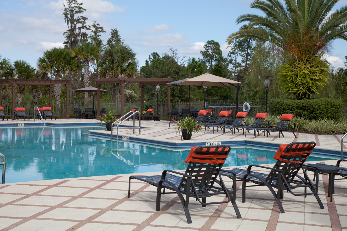 Bella Apartments - Kissimmee, Florida - Spacious Sundeck with Pergola