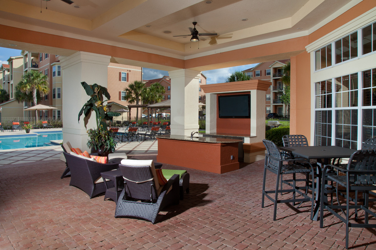 Bella Apartments - Kissimmee, Florida - Lanai with Serving Bar and Gas Grilling