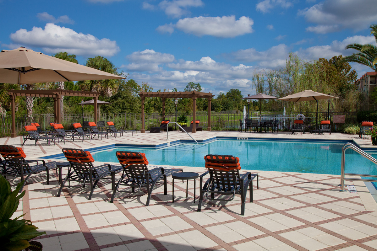 Bella Apartments - Kissimmee, Florida - Lakeside Swimming Pool