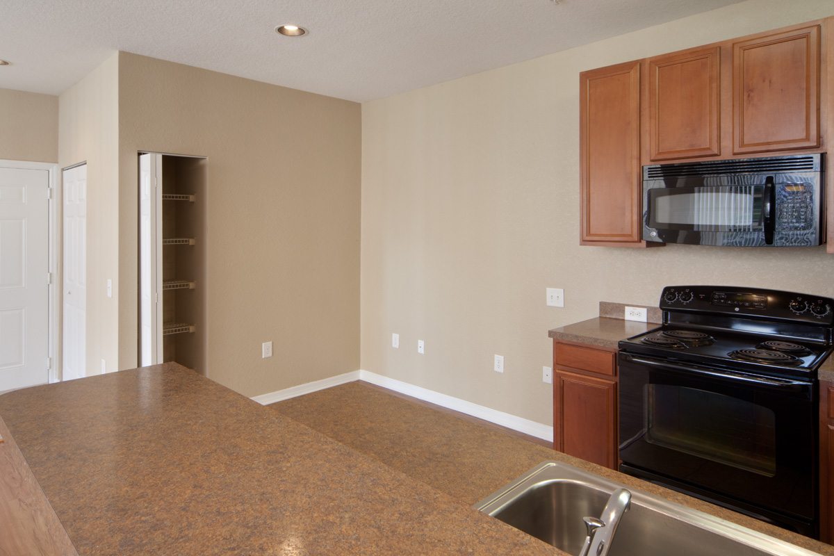 Bella Apartments - Kissimmee, Florida - Granite Style Countertops