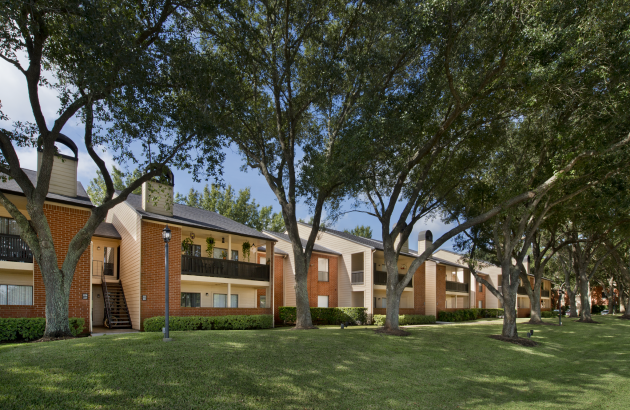 We designed your new Sugar Land apartment home to set a new ideal in rental community living.