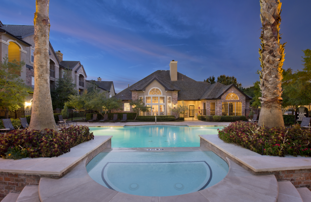 Come Live a luxurious Sugar Land apartment home lifestyle in one amazing location!