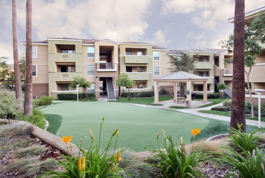 Stone Canyon (California) apartments in Riverside, CA