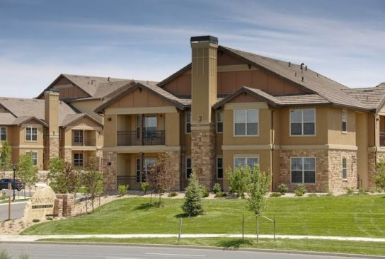 apartments in aurora co canyons at saddle rock