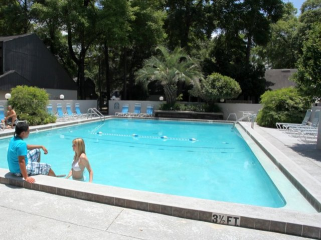 Image of Swimming Pool for Woodland Villas Apartments