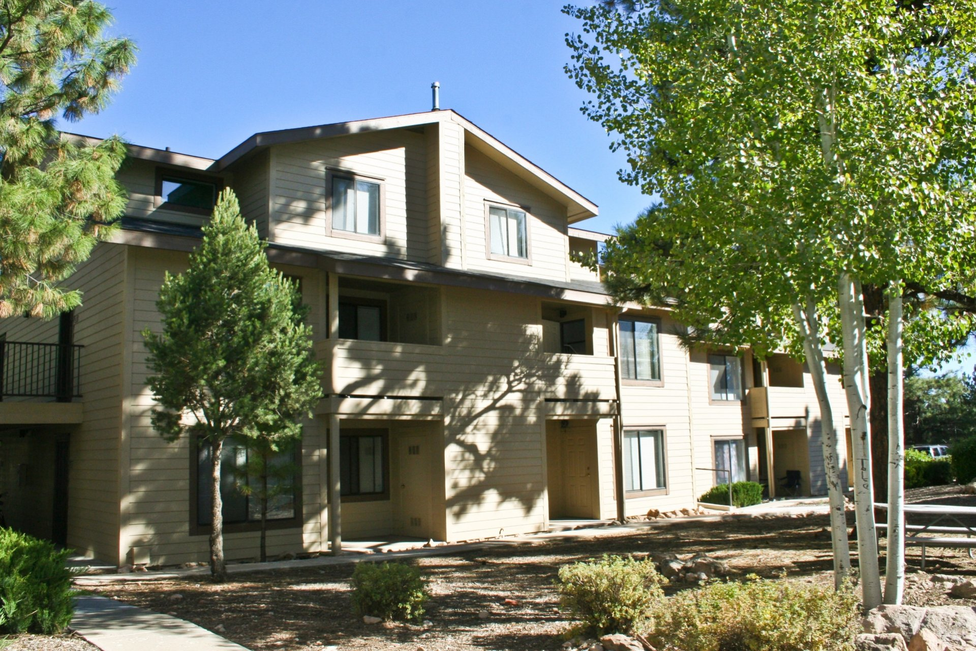 University West Apartments Flagstaff, AZ exterior and landscaping