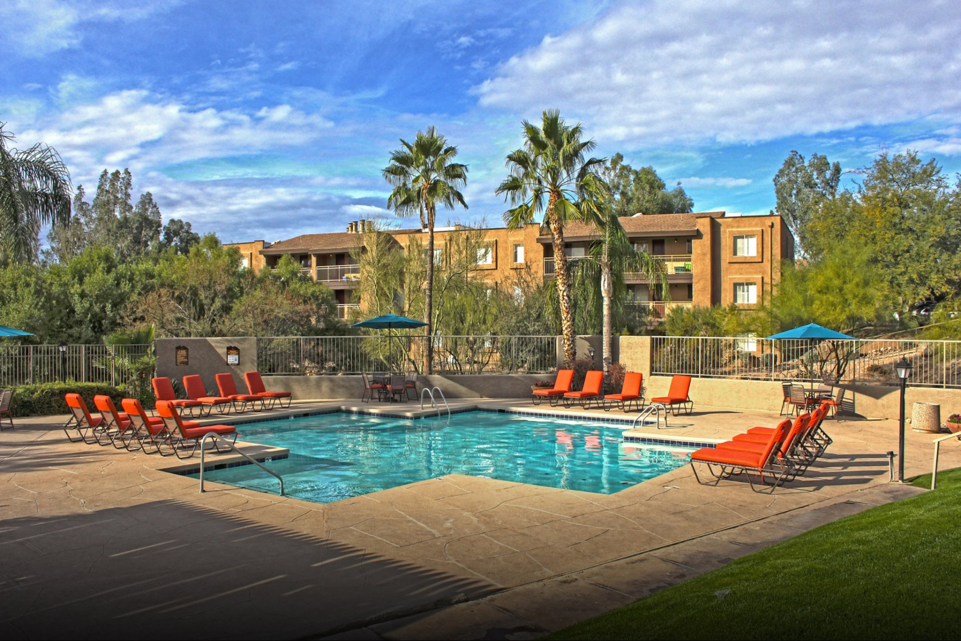 Sunrise Ridge Apartments Tucson, AZ pool, patio, exterior and landscaping