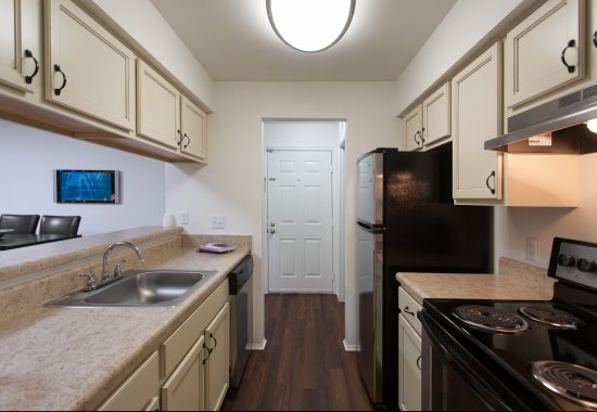 Gourmet kitchens at Windsor at Pine Ridge Apartments in Elkridge MD