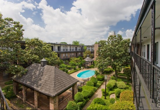 View of the pool and gazebo at Allen House Apartments in Houston TX