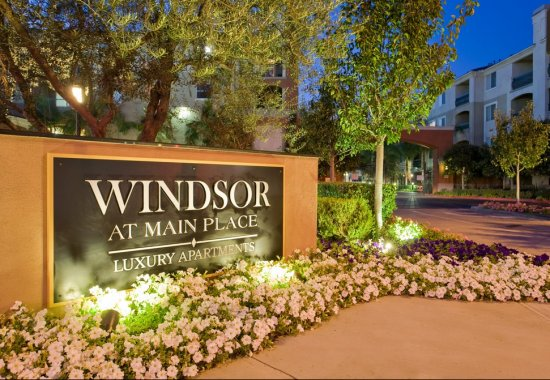 Sign at entrance at Windsor at Main Place Apartments in Orange CA