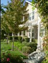 Lush landscaping at The Kensington Apartment Homes in Plesanton CA