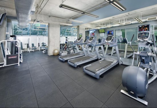Gym at Renaissance Tower Apartments in Downtown Los Angeles