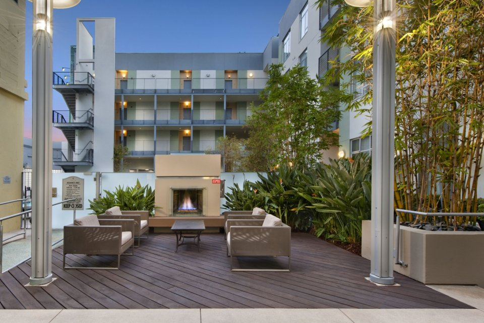 Outdoor lounge area at Sunset and Vine Apartments in Hollywood CA