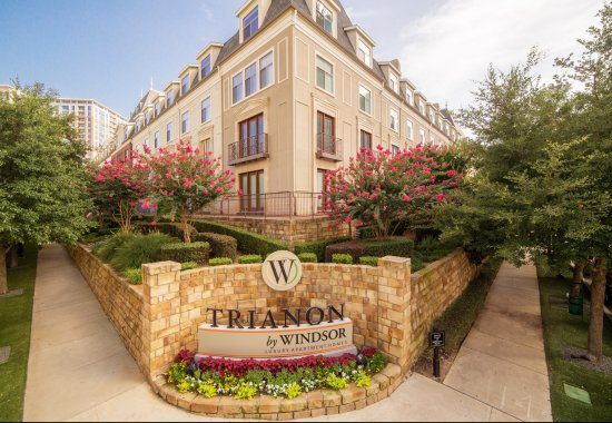 Entrance to Trianon by Windsor Apartments in Dallas TX