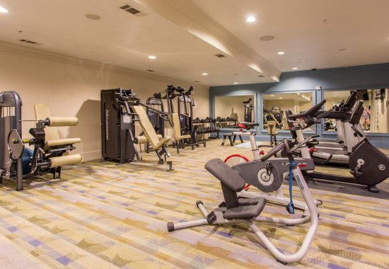 View of workout facility at Trianon by Windsor Apartments in Dallas TX