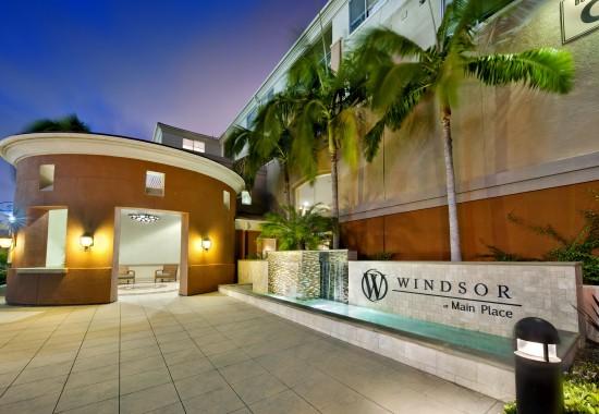 Sign at entrance at Windsor at Main Place Apartments in Orange CA