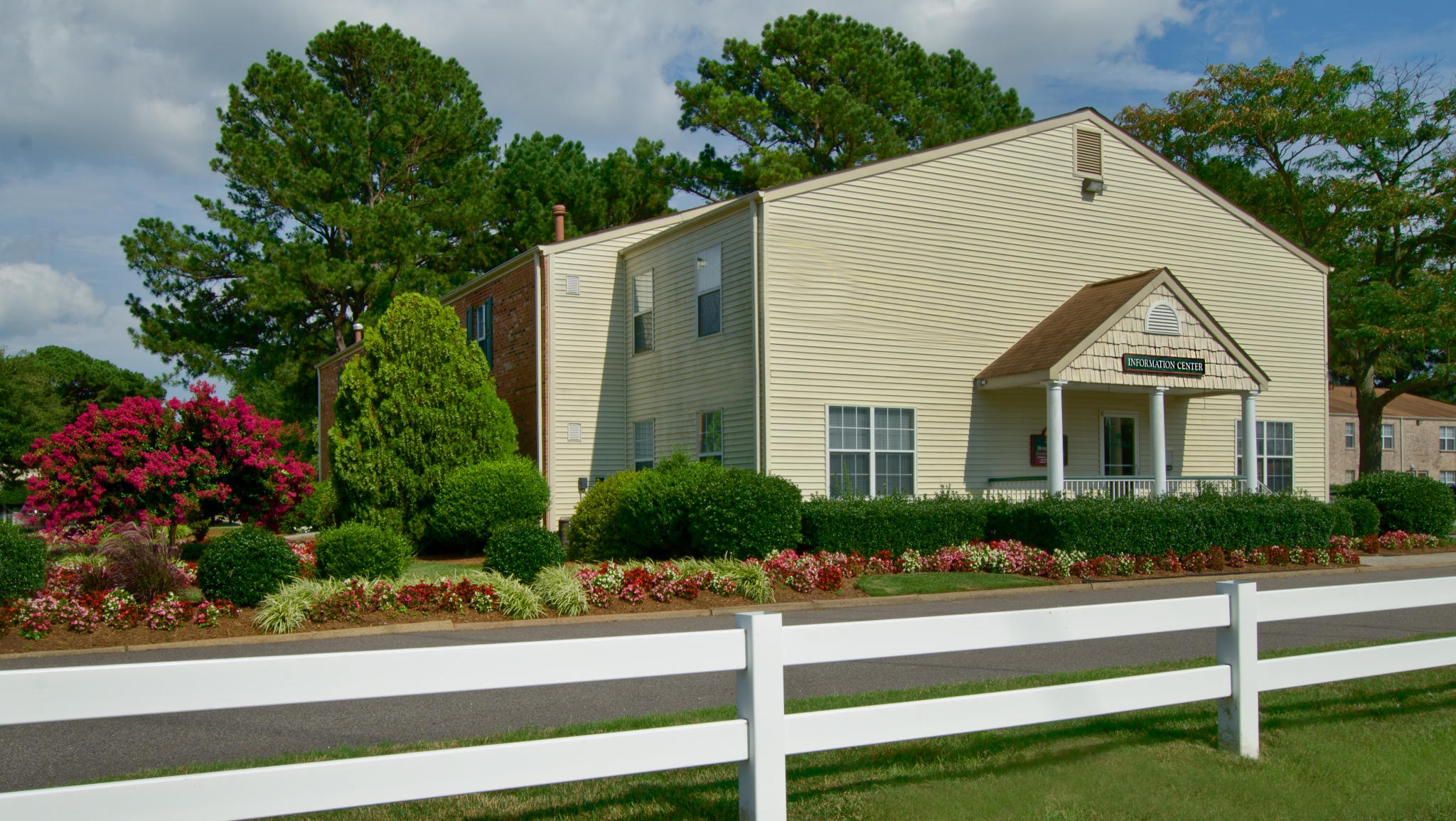 With Several Floorplans Available, We Have The Right Apartment To Fit Your  Li.