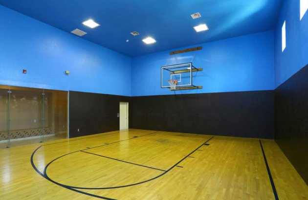 Find a regular game or just play a little pick up at River Stone Ranch's indoor basketball court