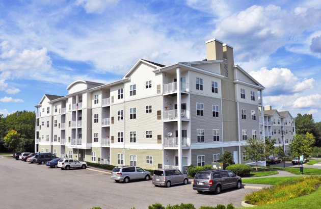 Conveniently located directly off U.S. 1 South, Endicott Green is only 20 minutes from Boston