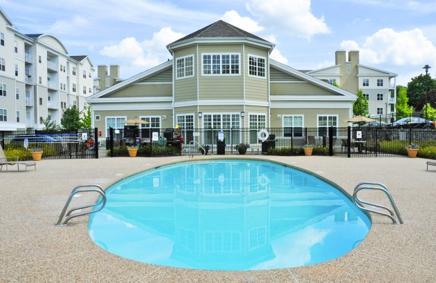 Endicott Green's centralized clubhouse and amenities give you easy access from any apartment