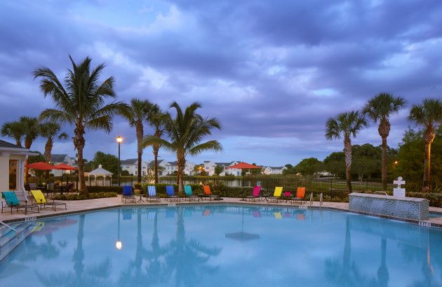 Live close to Fort Myers Beach and Sanibel and Captiva Islands