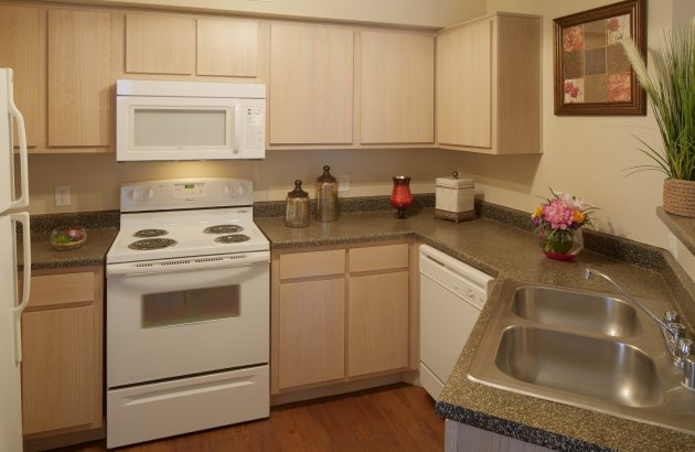 Enjoy perks in your apartment home, like built-in microwaves, ceiling fans, 9 ft ceilings and more