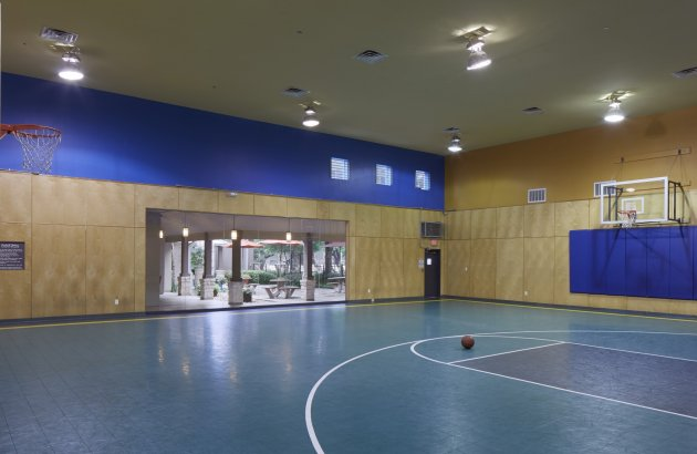 Find a regular game or just play a little pick up at Monterey Ranch's indoor basketball court
