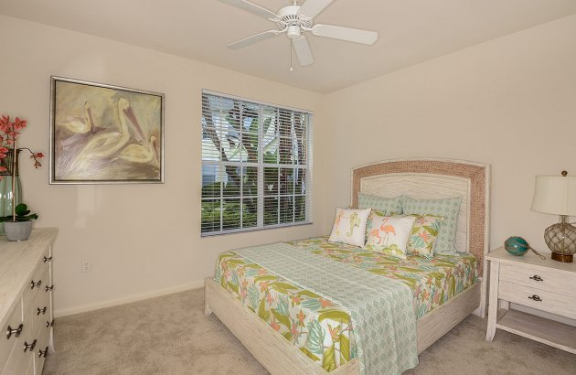 Spacious 2nd floor homes feature soaring 22' vaulted ceilings