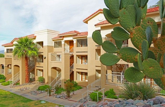 Enjoy beautiful views of the mountains and the Tucson skyline