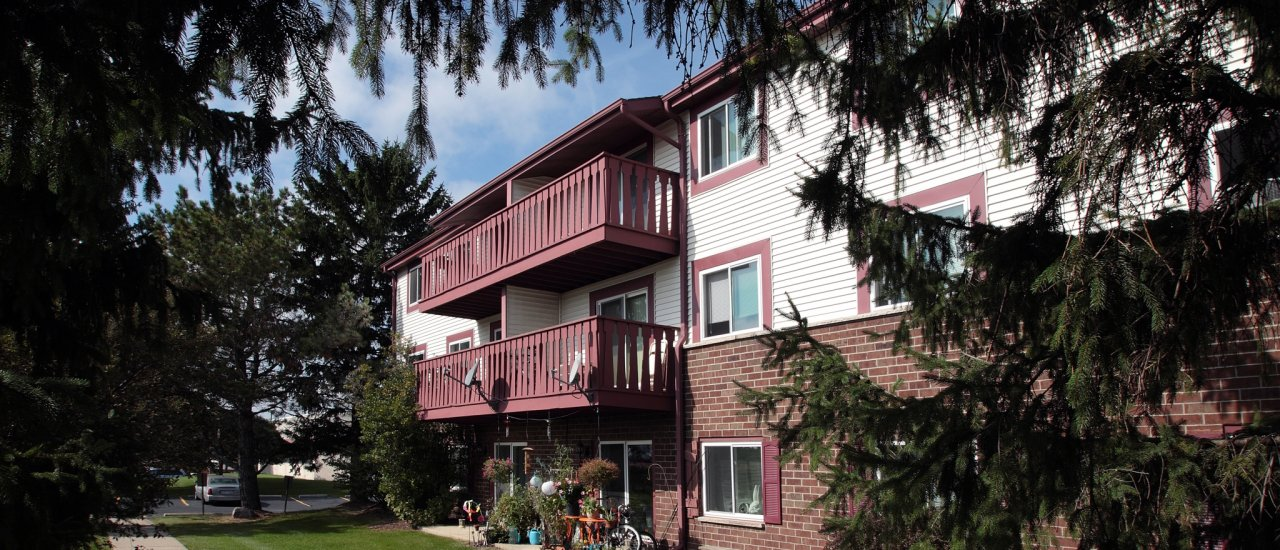 Apartments in St. Francis For Rent | Ridge View