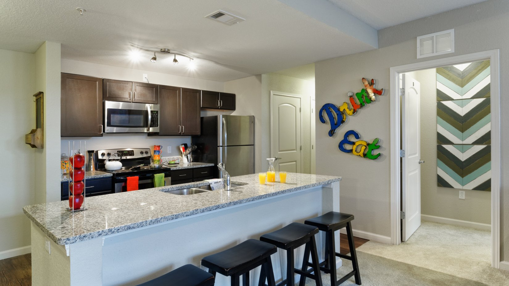 Demonstration Kitchen | Chapel Hill Apartments | Lux at Central Park