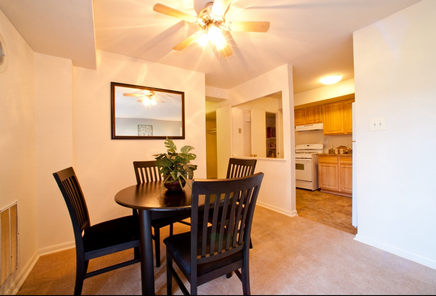 Dining | Pennbrooke Station Apartments