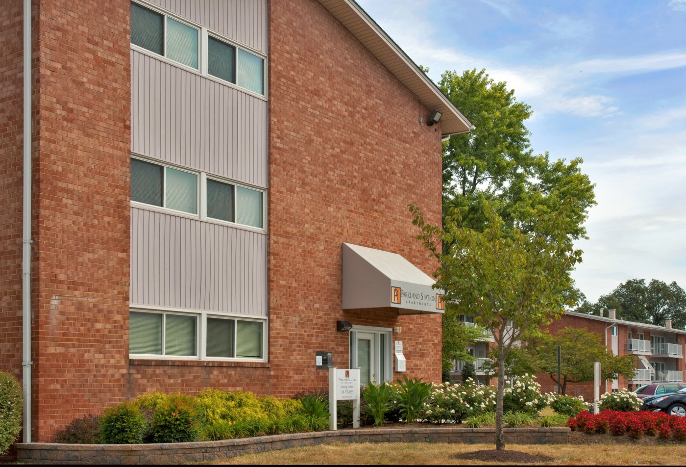 Exterior | Parkland Station Apartments