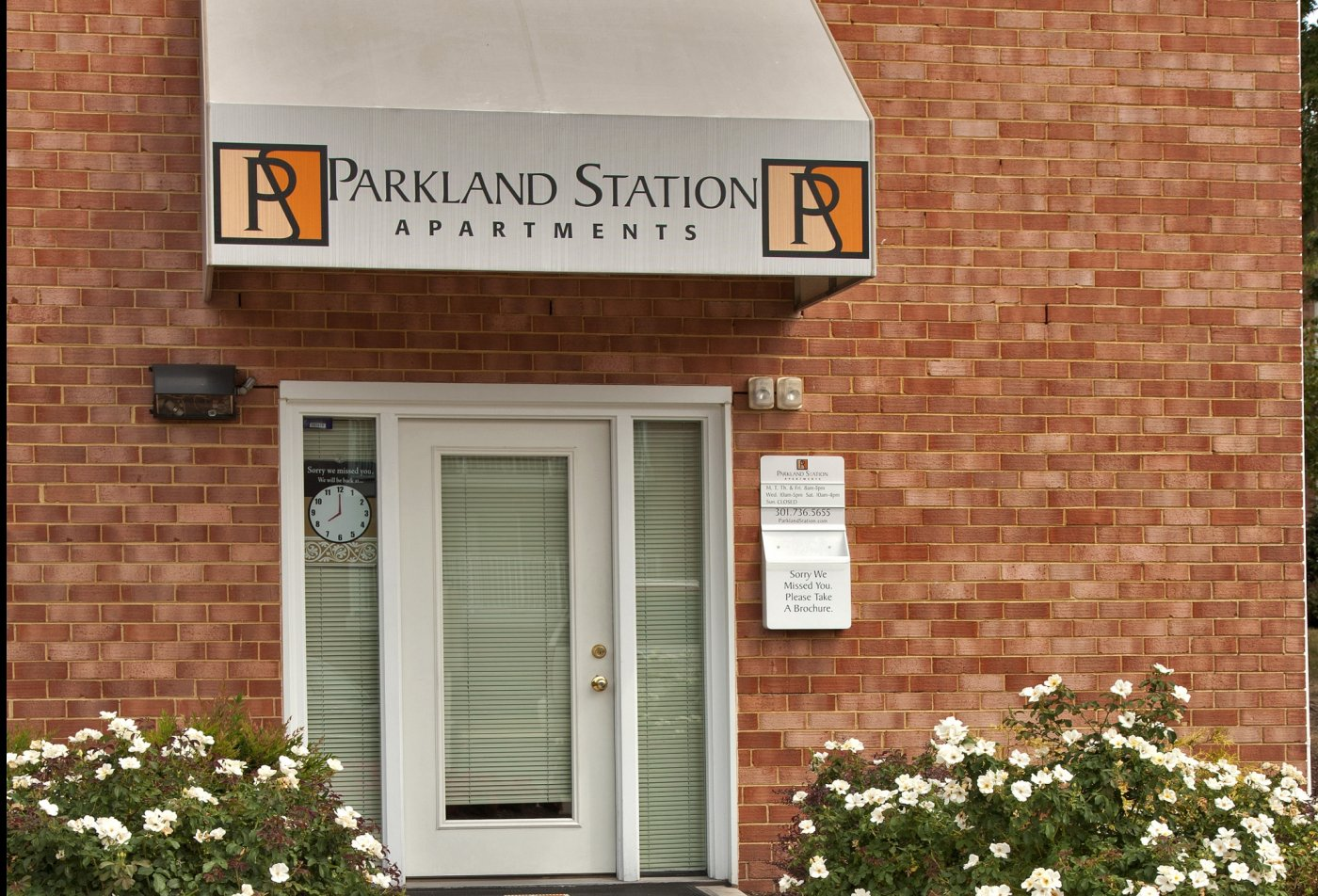 Welcome | Parkland Station Apartments